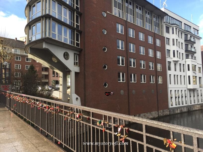 Loverslocks-in-Hamburg-Germany