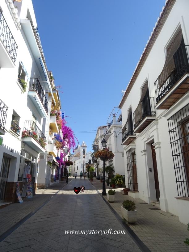 cobble-streets-wandering-old-town-marbella-costa-del-sol