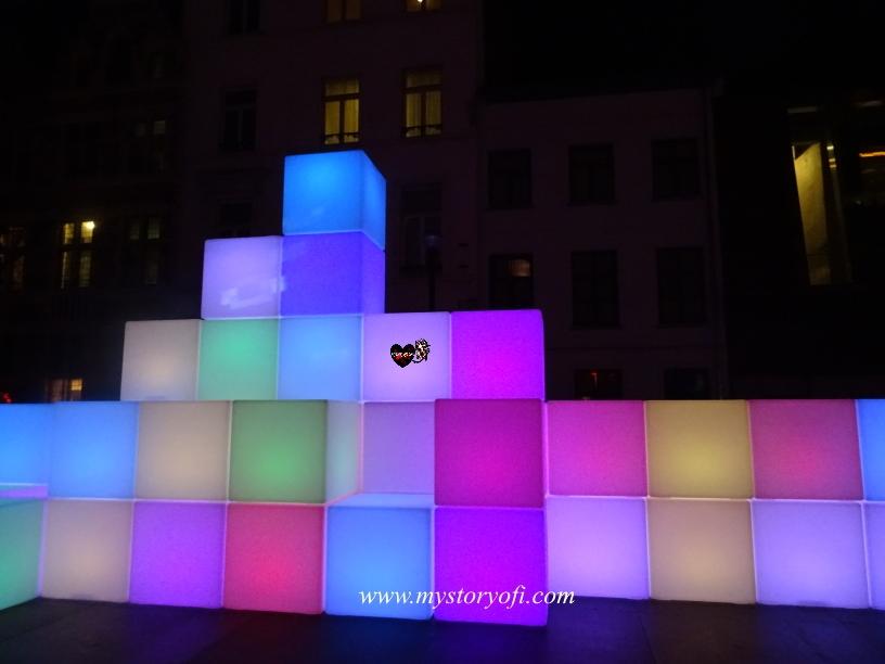 Building blocks representing what realizing dreams looks like
