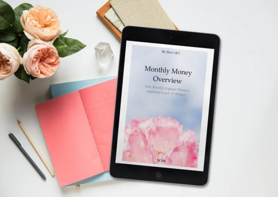 monthly money tracker to keep your budget